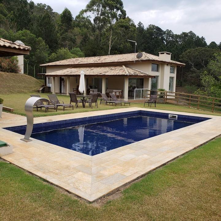 Casa de campo confortável com vista maravilhosa