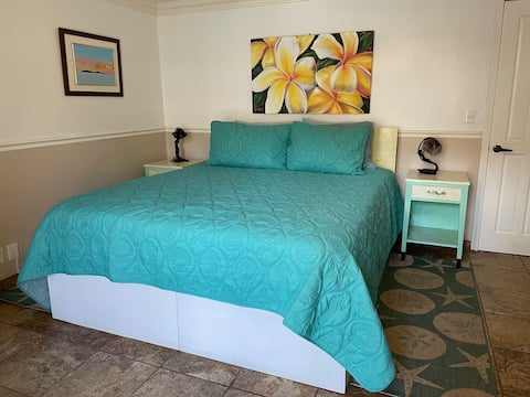Alluring Hideaway, Private room, Cal King bed
