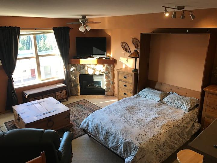 Quiet, cozy, top floor studio