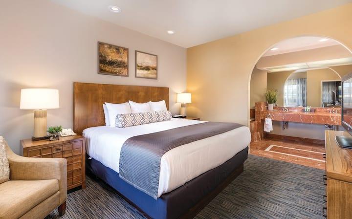 1 Bedroom Suite at Phoenix Resort