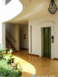 Dobro osvetljen put do ulaznih vrata