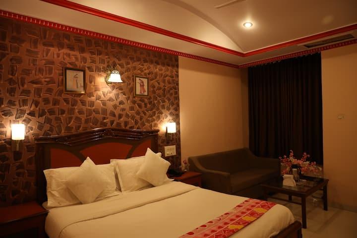 Standard AC room with breakfast @Mahabaleshwar.