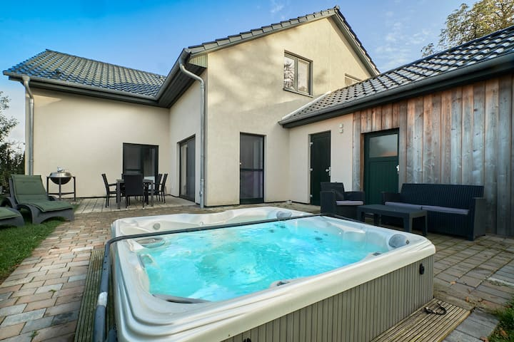 5★-Luxus am Fleesensee (Whirlpool/Sauna/Kamin/SKY)