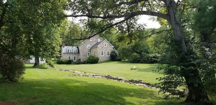 Scenic Farmhouse Guest Suite