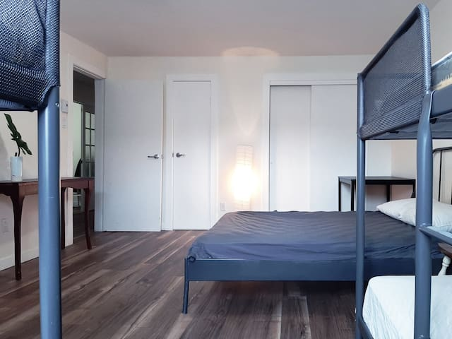 Private bedroom 1 - 1 Double bed - 2  Bunk beds