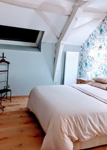 Chambre tout confort avec piscine chauffée