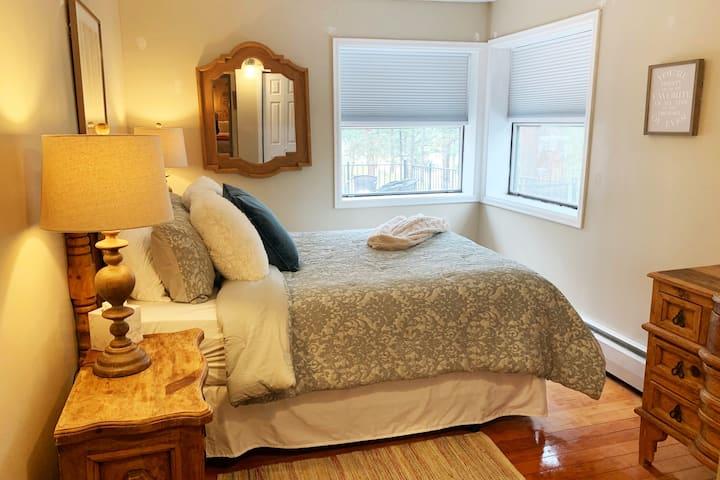 The Refuge - Peaceful Queen Room