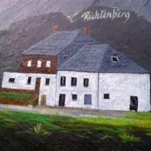 Haus Fjiäschteren : stilte-vakantie in de natuur.