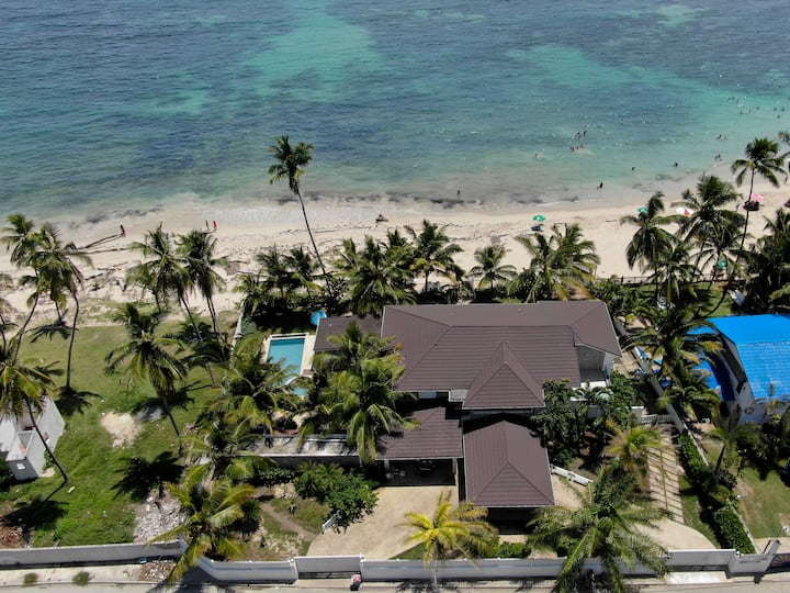 Guayacanes Village- Front beach house