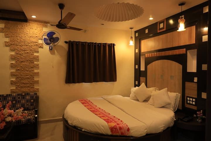 Deluxe AC room Pratap Heritage @Mahabaleshwar.