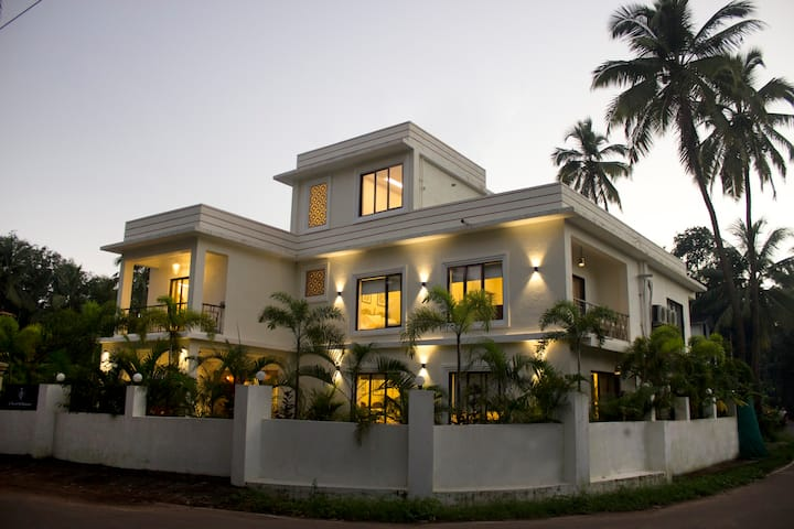 Luxury Goan Villa:  Independent-Serviced-Pvt. pool