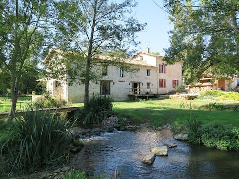 Le Moulin de Charzay : Let's find the essentials