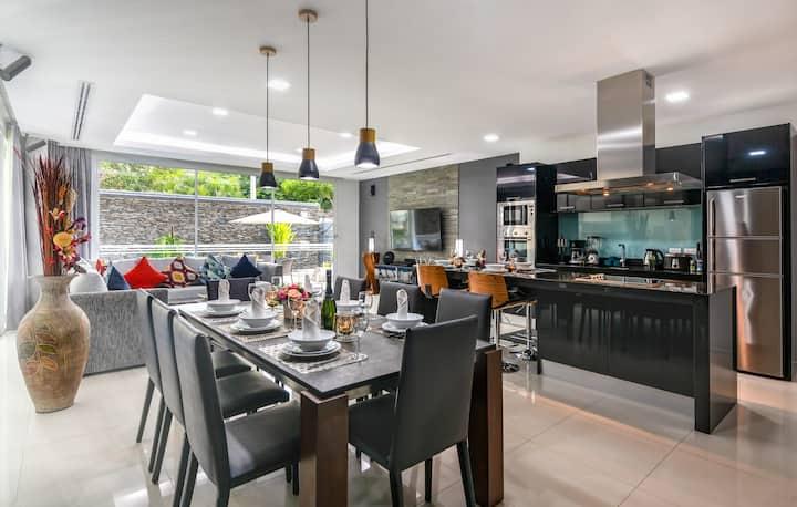Spacious designer villa with AMAZING facilities!