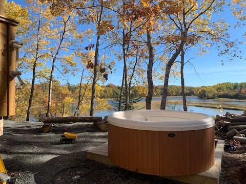 Private Hot Tub River Retreat