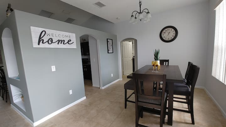 4 Beds 3 Baths Tranquil Stay