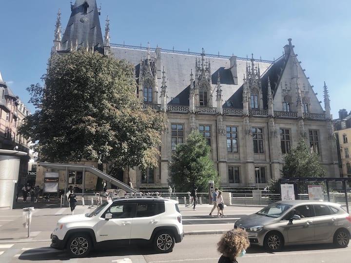 Rouen centre ville Palais de Justice