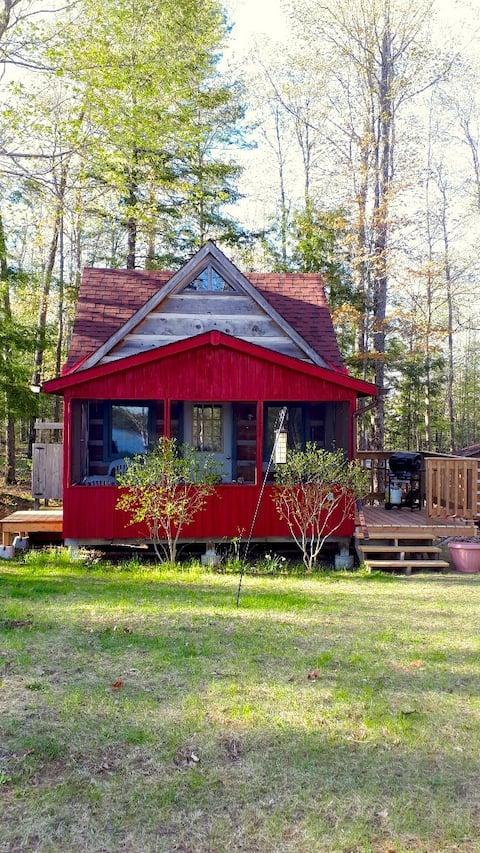 Cozy, Lake-view Rustic Log Cabin