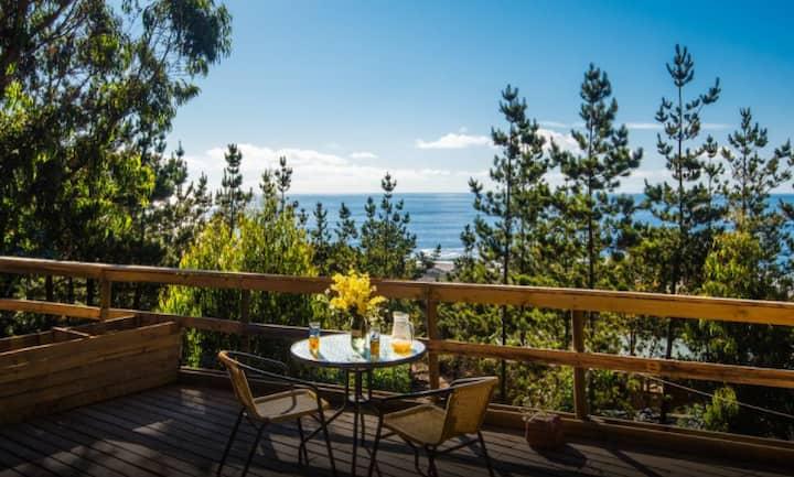 Casa Atipika, vista y bajada directa a la Playa