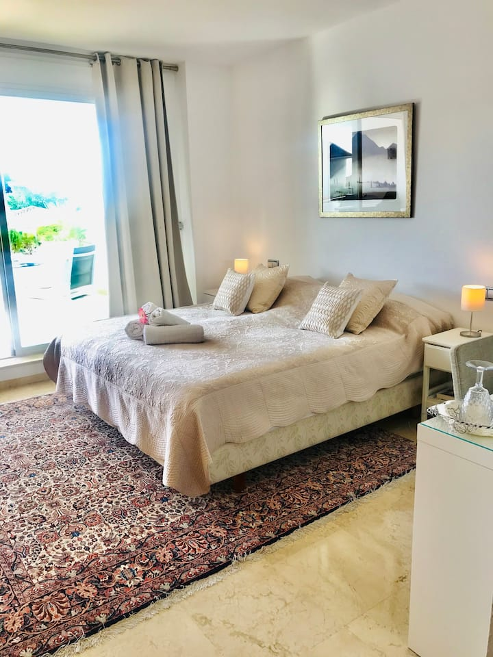 Luxury room, Guadalmina.Comfort and the best price
