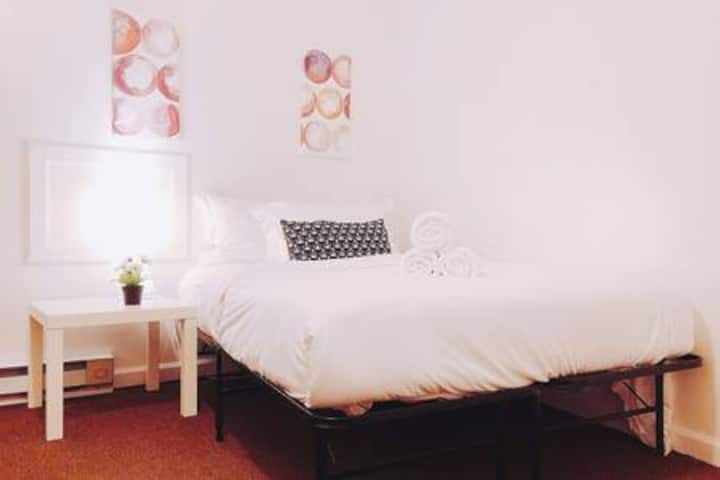 Budget Apartment 20 Mins from Philadelphia Airport