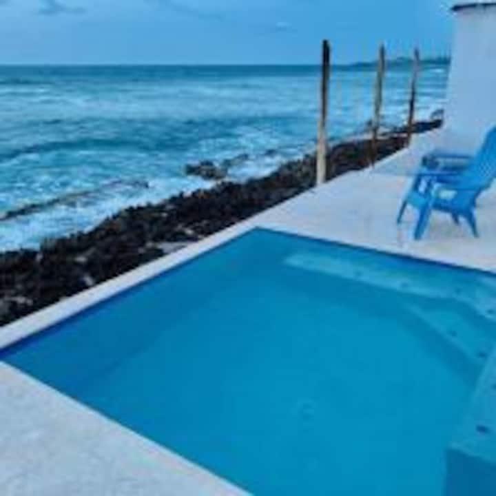 Discovery Inn 102:Moderna Suite Queen Vista al Mar