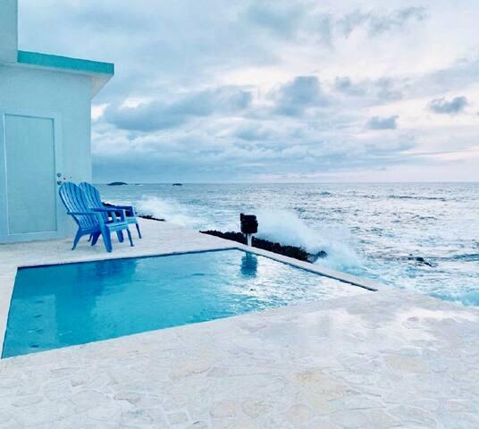 Discovery Inn 101:Modern Oceanview Full Bed Studio