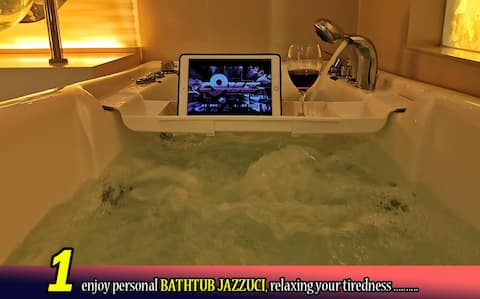 Romantic--Relax【Private Jacuzzi】Parking--KL City