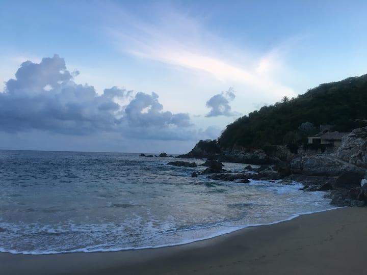 Habitación luminosa cerca de la playa