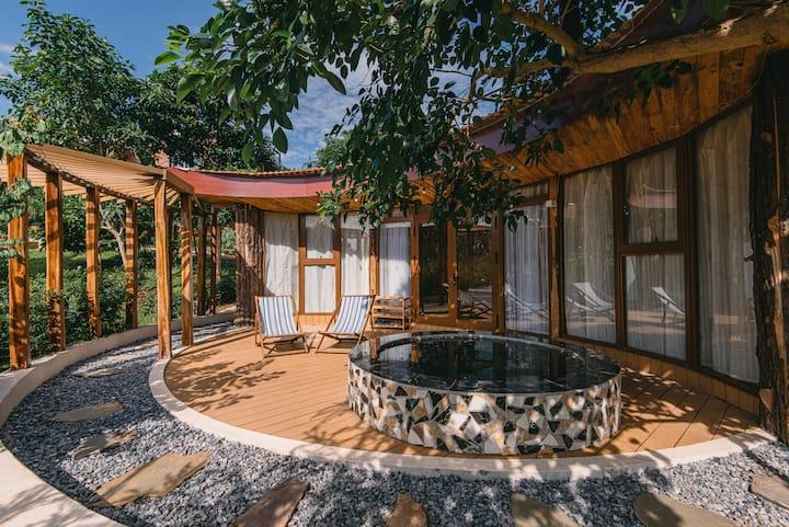 Nha Ben Rung (U Lesa) - Moon Villa