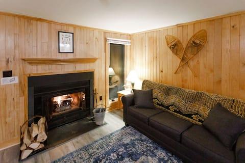 Cozy Condo!  Ski-Out and Mountain-View Retreat