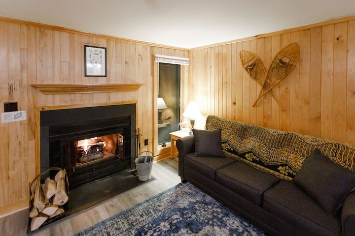 Cozy Condo!  Ski-Out and Mountain-View Retreat