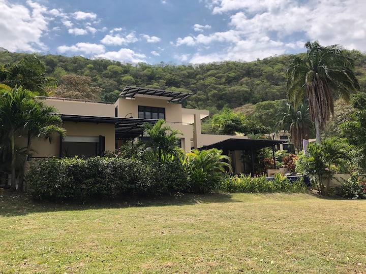 Lujosa casa vacacional campestre - Anapoima