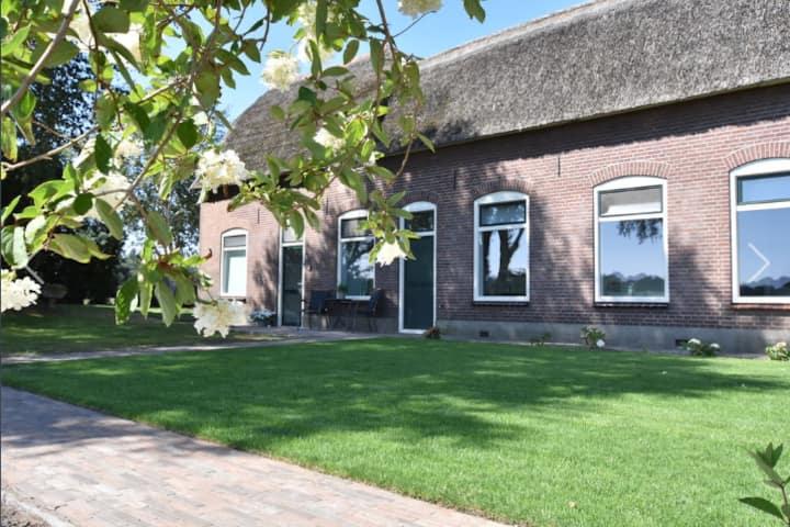 Logies 't Biesterveld - landelijk & eigen tuin!