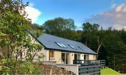 Modern, new-build cottage in rural location