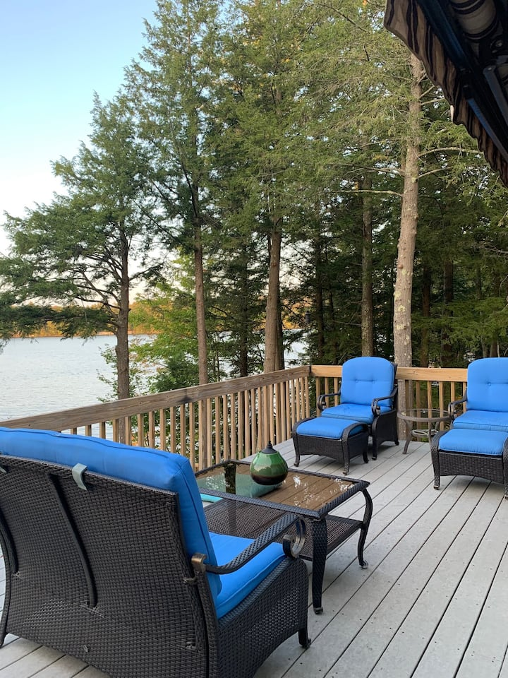 Half Moon Lake house on water front, great view!