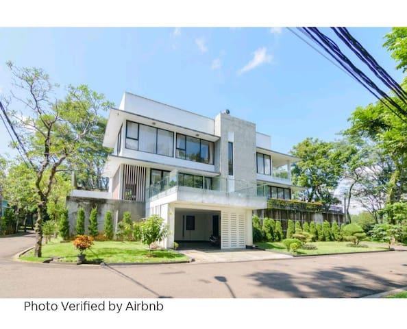 """The """"V""""  5 BR Villa w/ Private Pool at Sentul city"""