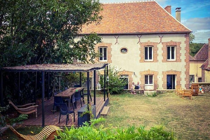 Maison familiale Villeneuve-les-Genêts