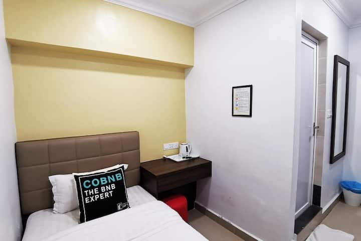 Single Room near D Pulze Shopping Mall #HBC01