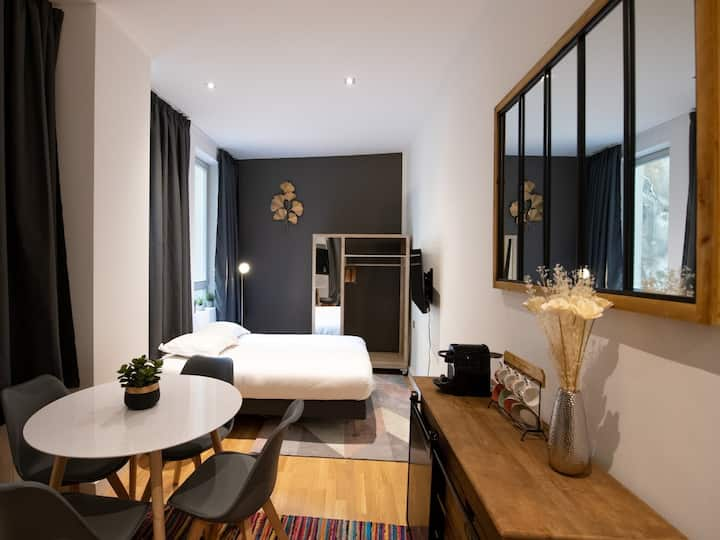 Le St Germain - Lovely decorated studio at the heart of Lyon's Presqu'Ile