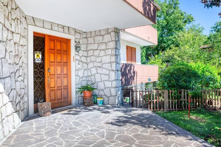 Villa Margherita-Lovely APT with garden! x4