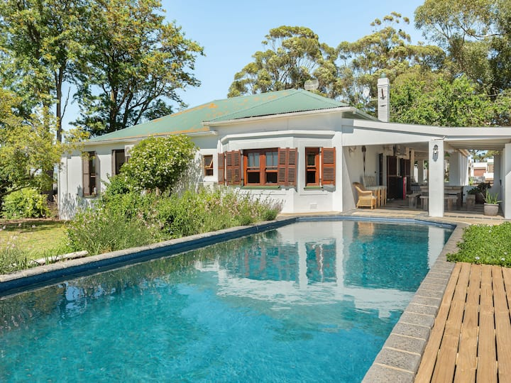 Farmhouse on a Hill | Pool | Wine | Views | Relax