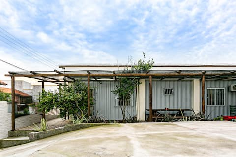 Container house air conditioning 50m to the beach