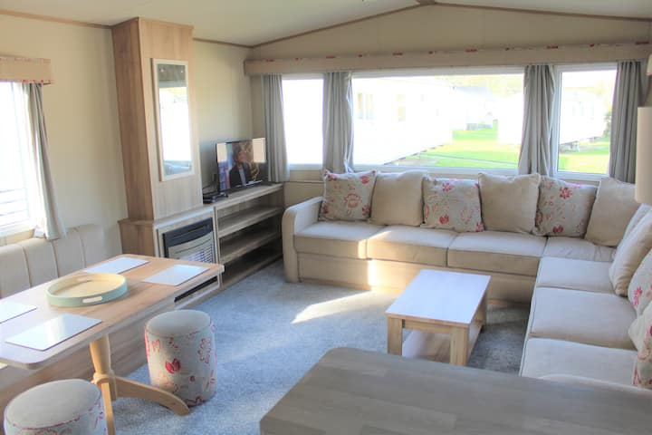 Holiday Home at Newquay Bay (Sleeps 6)