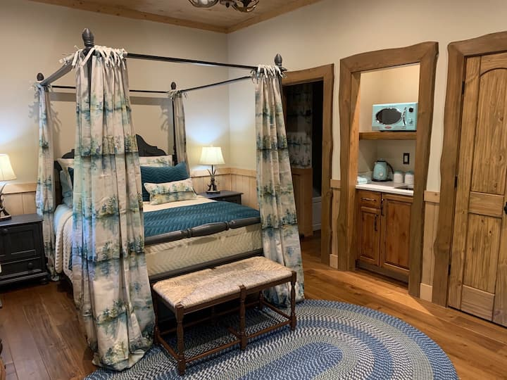 Toccoa Riverfront Chalet Guest Suite Private Entry