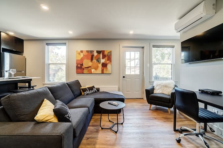 Newly renovated 2 bedroom apartment in the Glebe