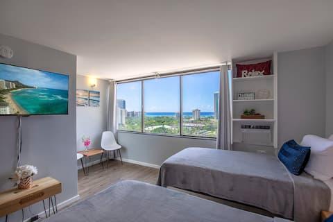 Newly Renovated Ocean View Waikiki Studio