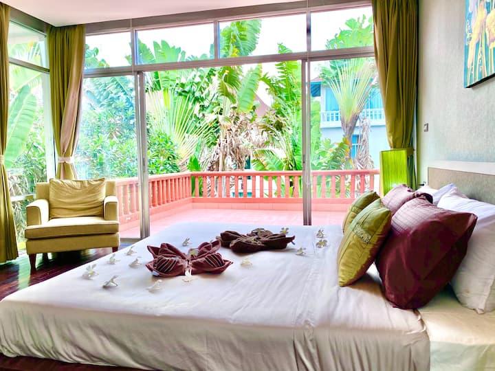 Dee Mak Nagawari Villa