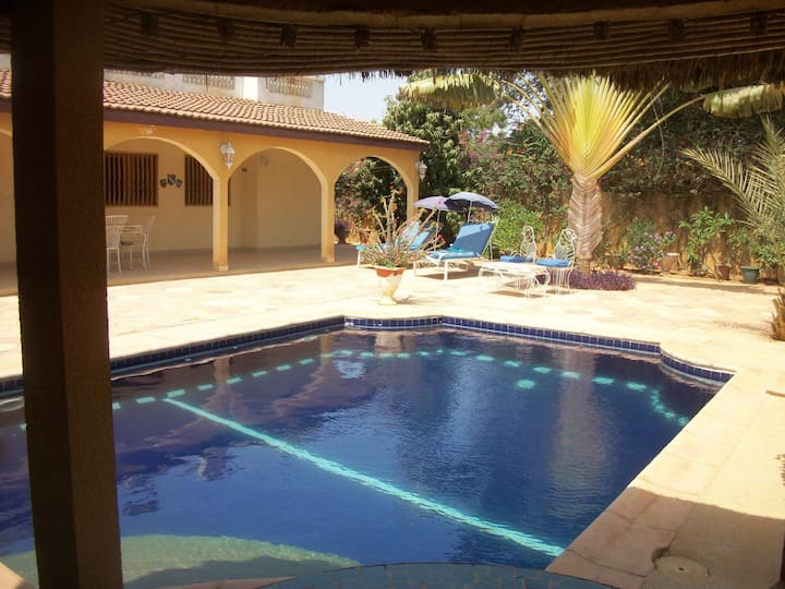House with garden and swimming pool in Ngaparou