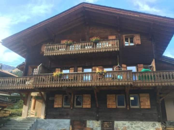 Ski Heaven in Portes Du Soleil - Le Vieux Chalet