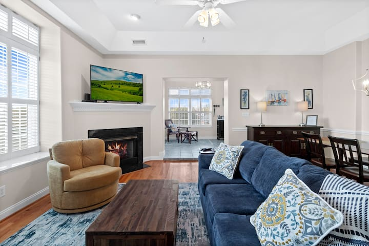 Comfortable open floor plan so the whole family can sit together and plan the days activities!